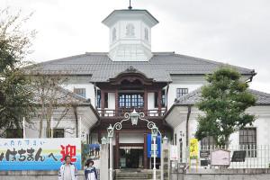擬洋風建築の例:白雲館 (滋賀県近江八幡市)